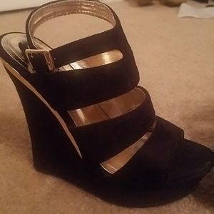 Swede strappy black wedges